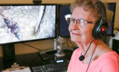 82-летняя бабушка обожает Skyrim.